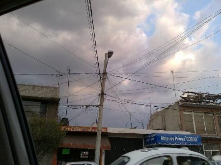Cables por todos lados